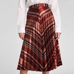 Zara holiday 17 pleated, midi skirt, sz. S